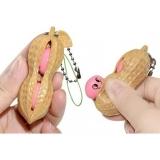 Jucarie senzoriala antistres in forma de Aluna, Peanut Fidget Toy, crem