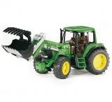 Jucarie Tractor John Deere 6920 cu incarcator frontal Bruder