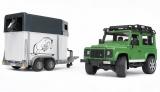 Jucarie Masina de teren Land Rover Defender cu remorca si cal Bruder