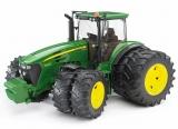 Jucarie Tractor John Deere 7930 cu roti duble Bruder