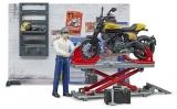 Set de joaca Service cu motocicleta Scrambler Ducati Bruder