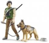 Jucarie Figurina padurar cu caine si echipament Bruder