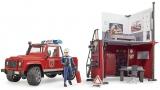 Set de joaca Statie de pompieri cu Land Rover Defender si pompier Bruder