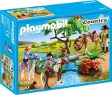 Plimbare la tara cu calutii Pony Farm Playmobil