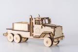 Camion din lemn