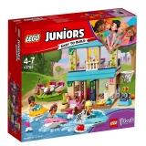 Casa lui Stephanie de langa lac 10763 LEGO Juniors